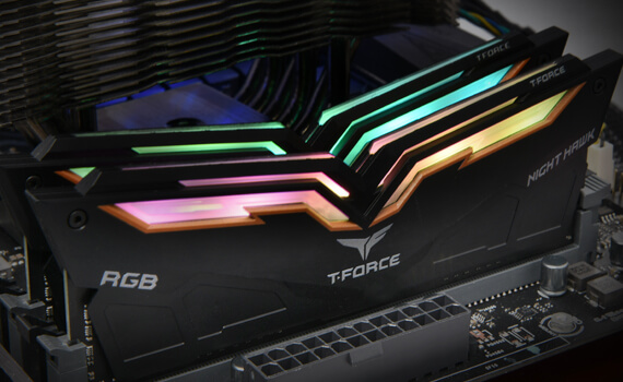 Team Group T-Force Night Hawk RGB DDR4 16 Go (2 x 8 Go) 3200 Mhz